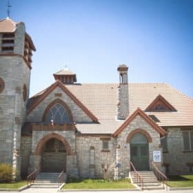 Photo of St. Andrew's Church in Pakenham courtesy of the Festival of Small Halls.